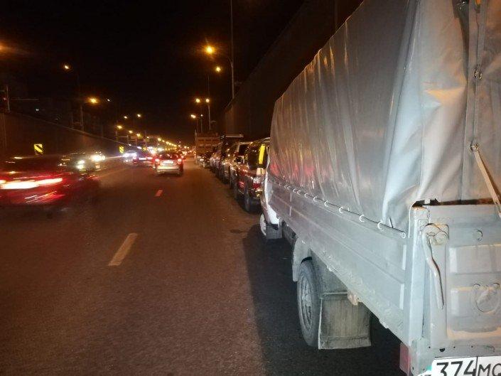Китайский самосвал протаранил несколько авто в Алматы (ФОТО), фото-10