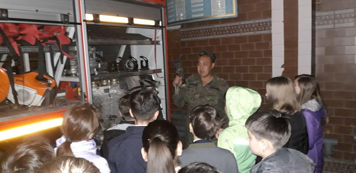 Алматинские пожарные устроили экскурсию для школьников (ФОТО), фото-3