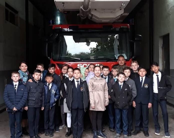 Алматинские пожарные устроили экскурсию для школьников (ФОТО), фото-5