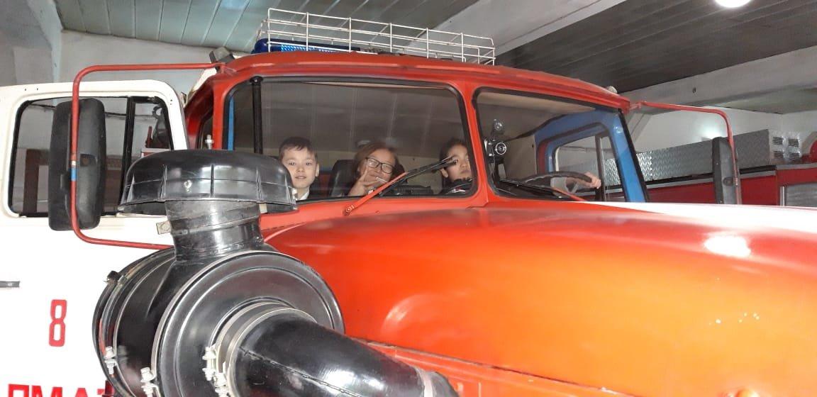 Алматинские пожарные устроили экскурсию для школьников (ФОТО), фото-6