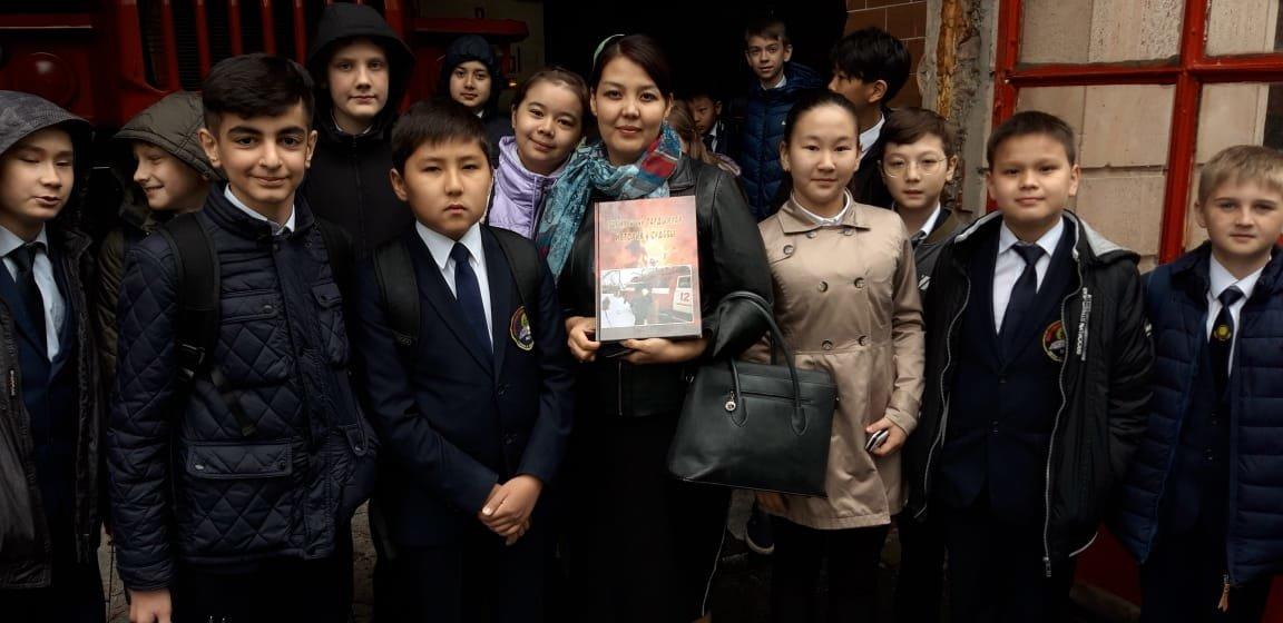 Алматинские пожарные устроили экскурсию для школьников (ФОТО), фото-7