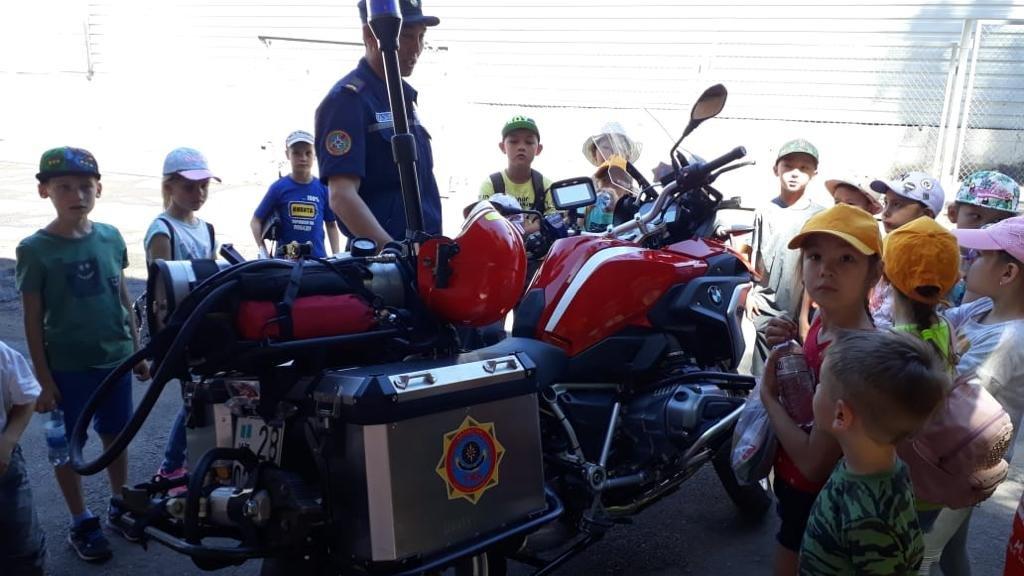 Алматинские пожарные устроили экскурсию для школьников (ФОТО), фото-8