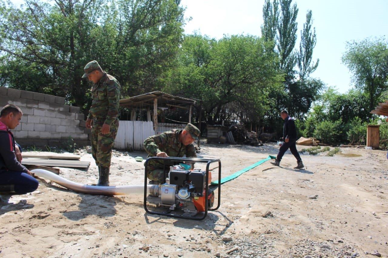 В Алматинской области оценивают ущерб от подтопления села Пиджим (видео), фото-2