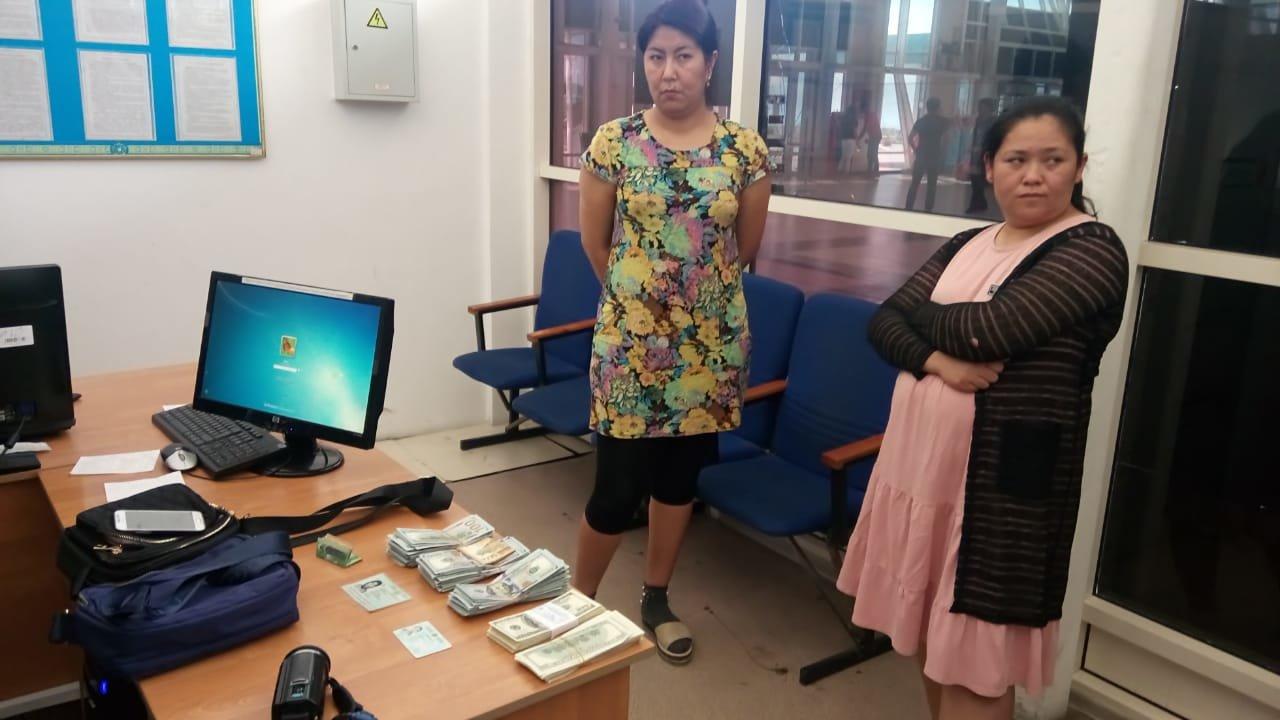 На Хоргосе задержали незаконно вывозимые в Китай 50 тысяч долларов, фото-1