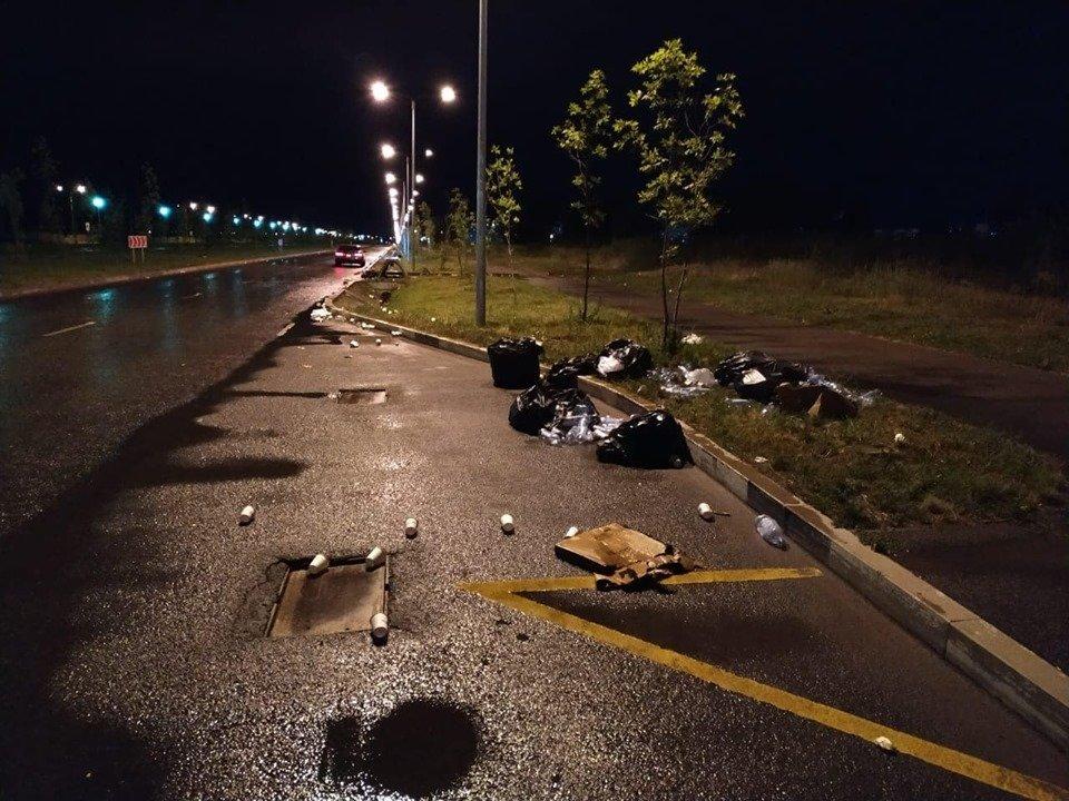 Горы стаканчиков и мусор остались после Летнего забега «Алматы марафон», фото-3