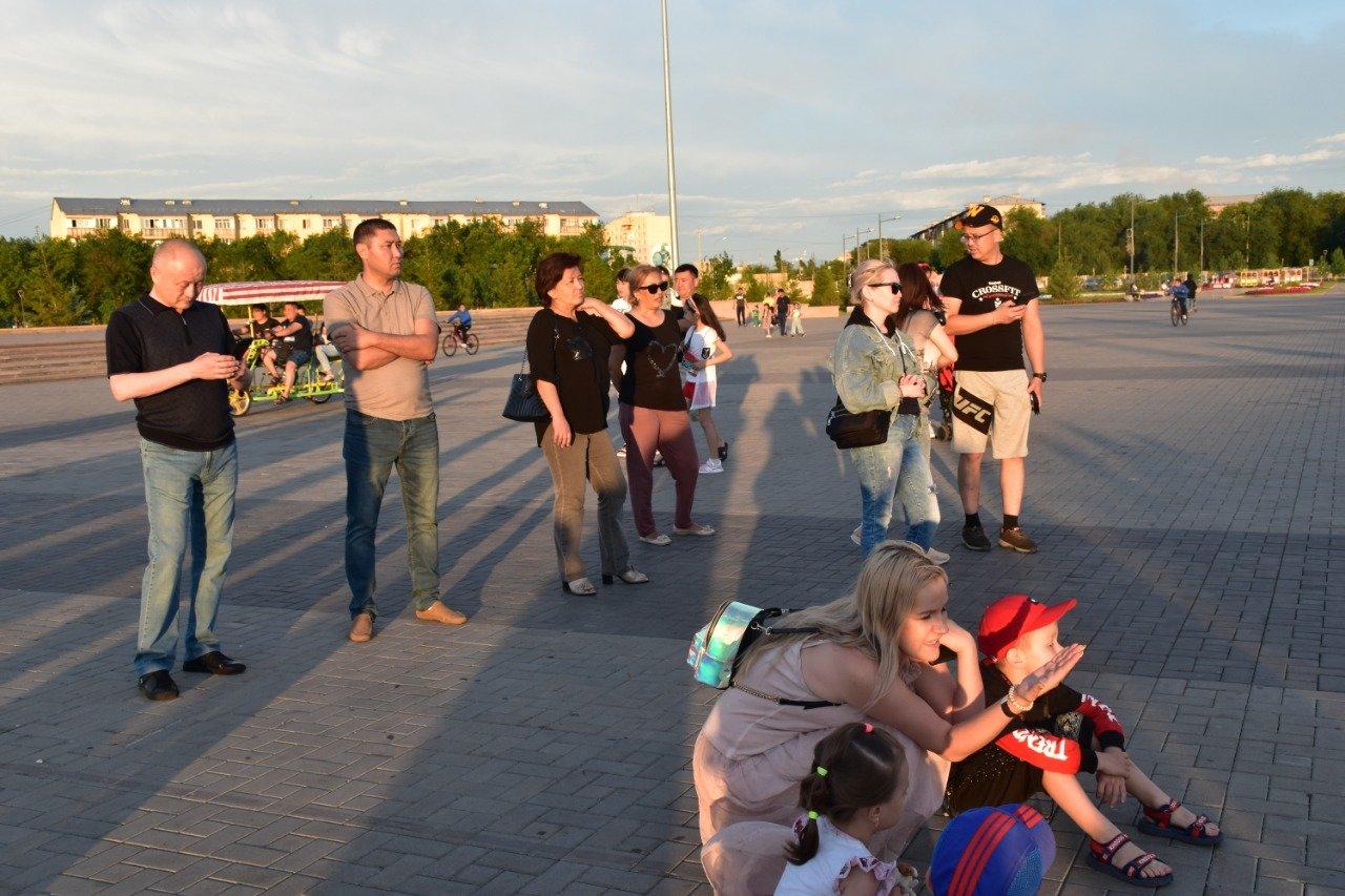 Матери и вдовы погибших полицейских стали почетными гостями концерта ко Дню полиции, фото-6