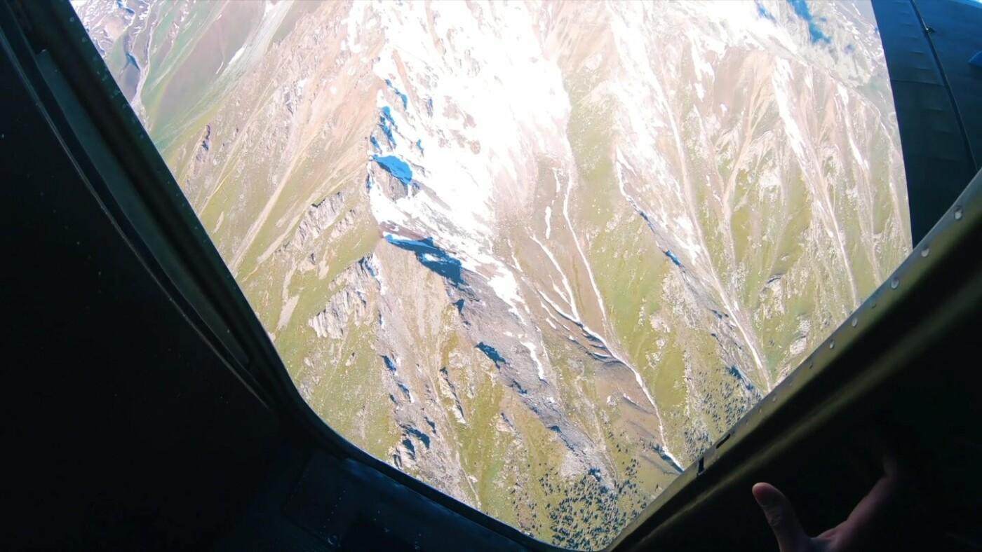 Скайдайверы облетели Большое Алматинское озеро и Кок-Тобе (ФОТО), фото-7