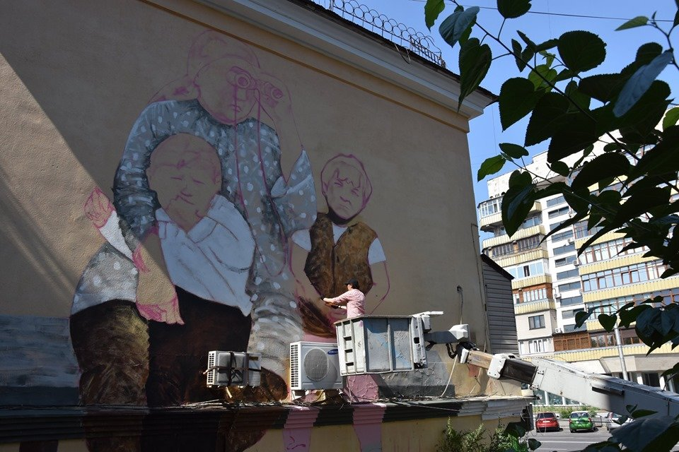 Мурал «Ожидание» по картине Сауле Сулейменовой появился в Алматы, фото-4