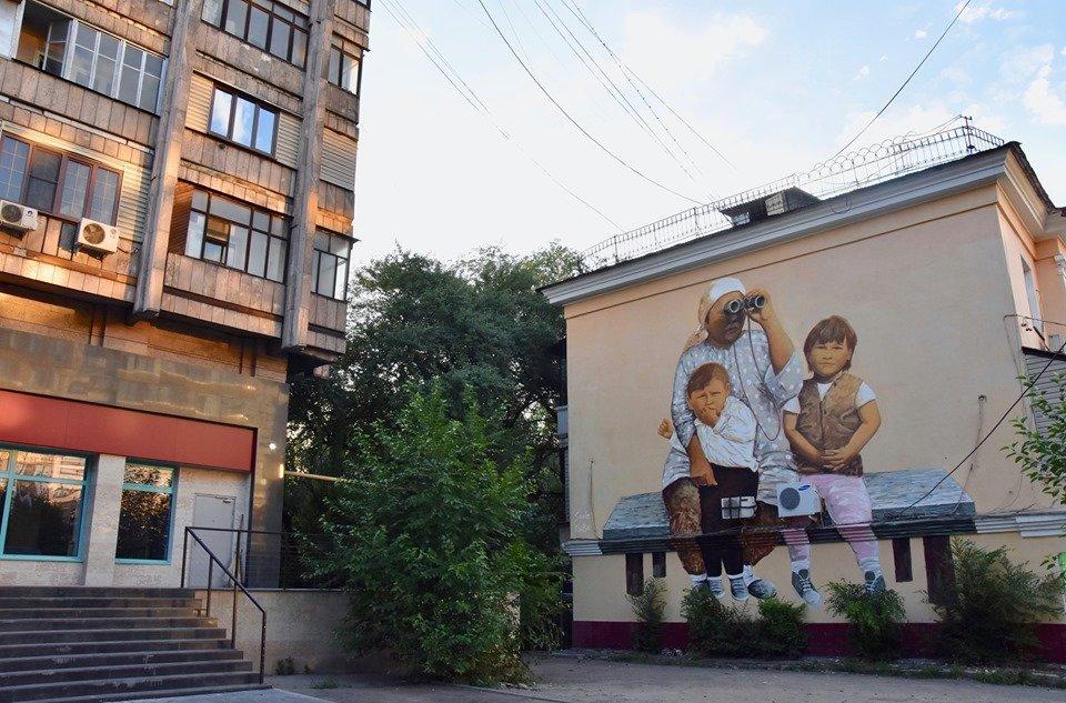 Мурал «Ожидание» по картине Сауле Сулейменовой появился в Алматы, фото-1