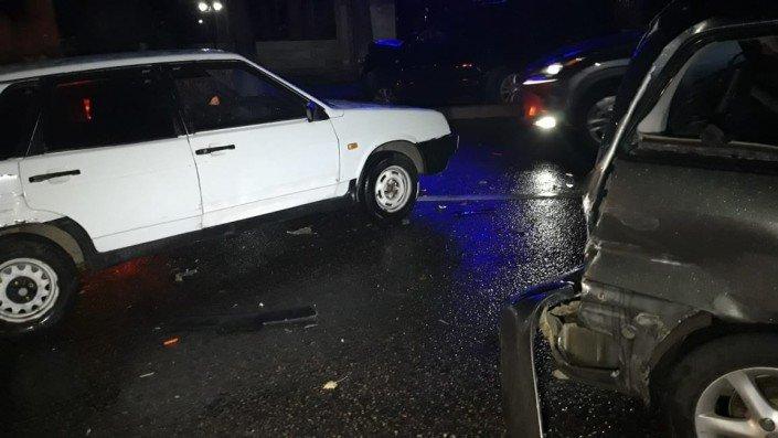 Три машины столкнулись в Алматы во время грозы (ФОТО), фото-1