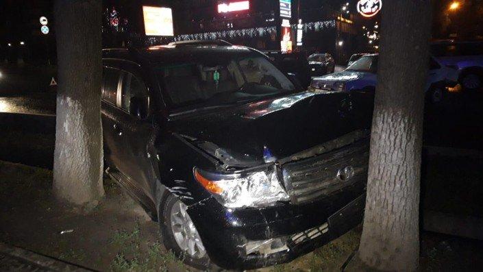 Три машины столкнулись в Алматы во время грозы (ФОТО), фото-5