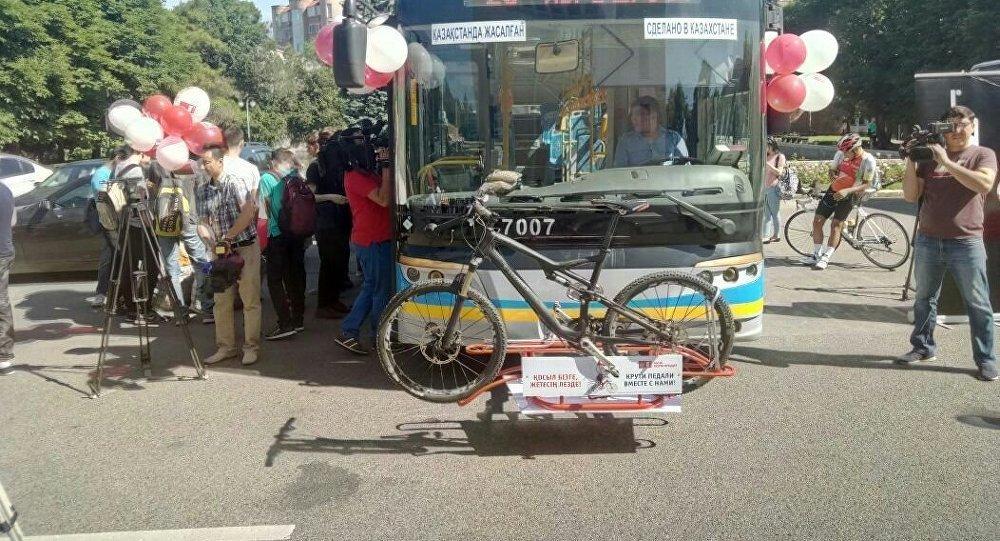 Как можно перевозить велосипеды в автобусах Алматы и сколько это стоит, фото-1