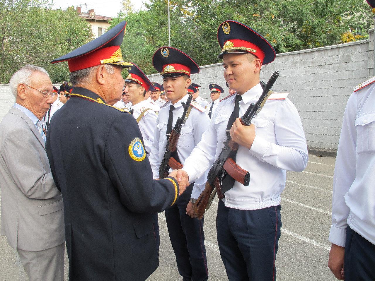 Молодые лейтенанты полиции дали присягу, фото-1