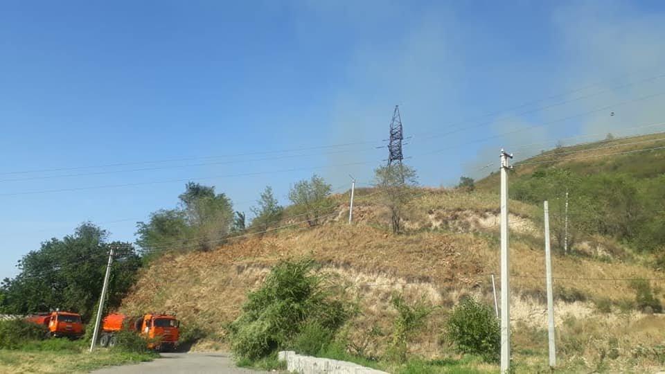 В Алматы загорелся склон Кок-Тобе (ФОТО), фото-2
