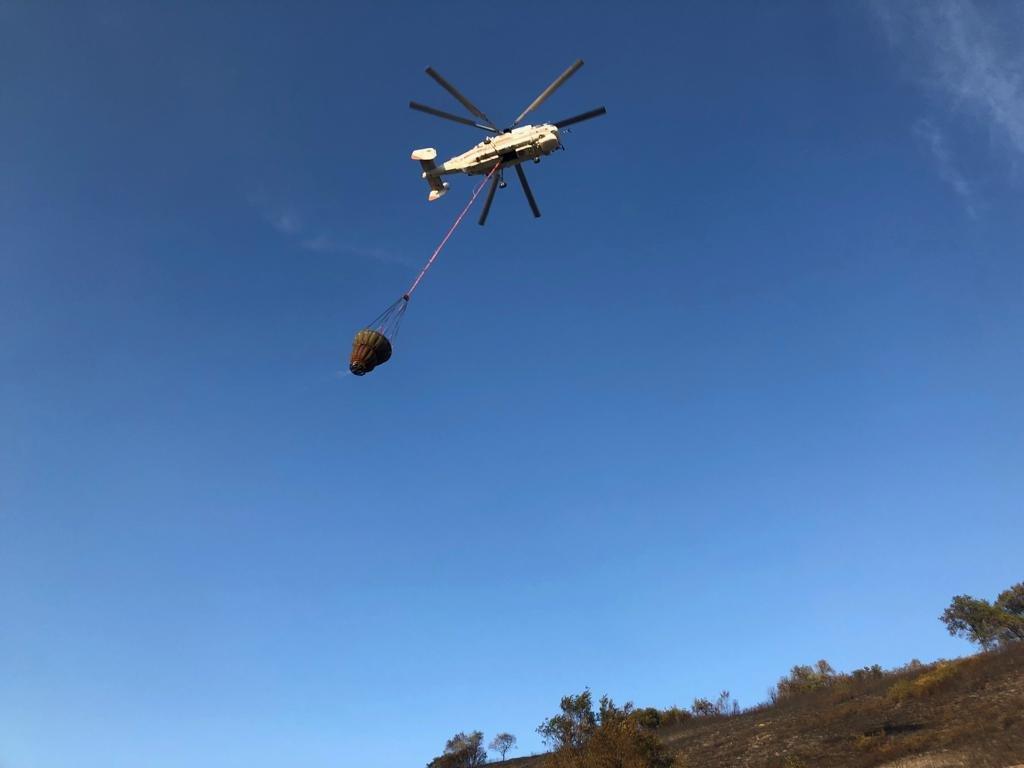Вертолеты направили на тушение пожара близ Кок-Тобе (ФОТО), фото-1