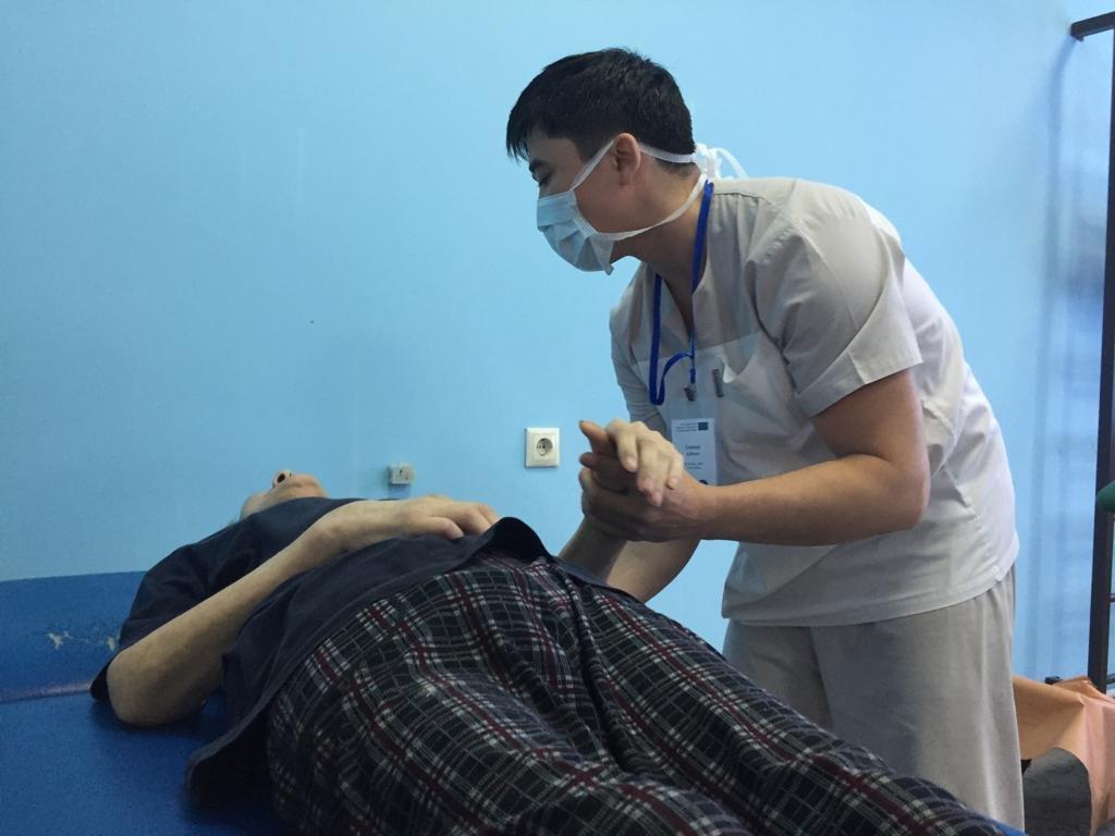 Врачи ищут родственников потерявшей память пожилой пациентки в Алматы, фото-2
