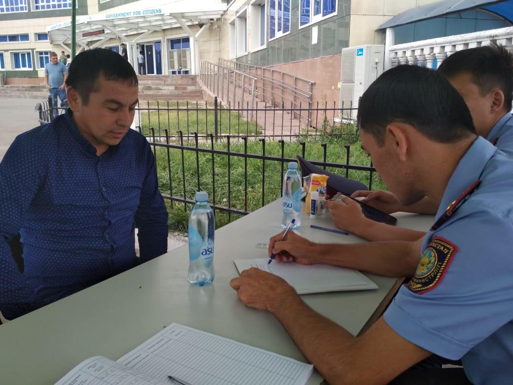В Алматы стартовала акция «Приемная на дороге», фото-3