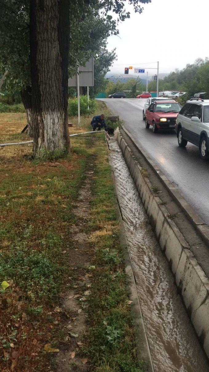 Около 600 человек ликвидировали последствия ливня в Алматы, фото-2