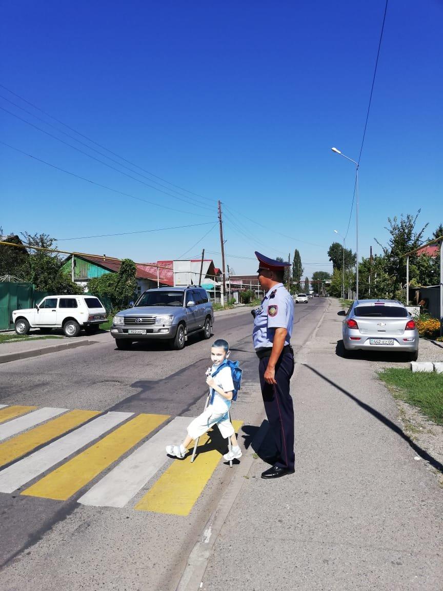 Более 1300 полицейских дежурят 1 сентября в школах Алматинской области, фото-2