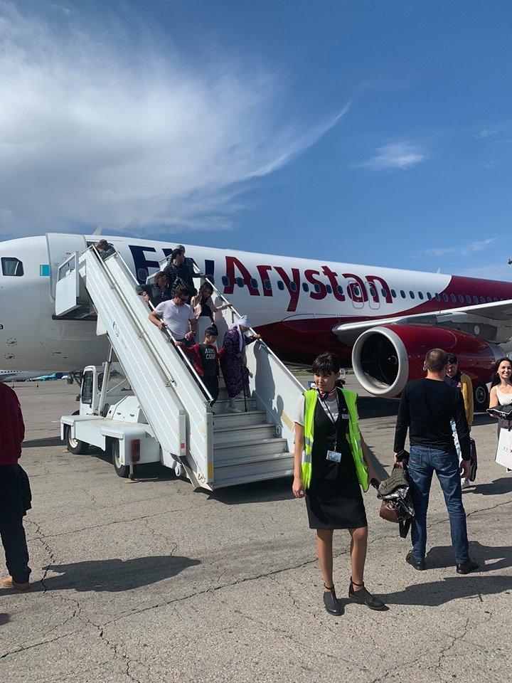 Самолет FlyArystan вернулся в аэропорт из-за ошибки в топливной системе , фото-1