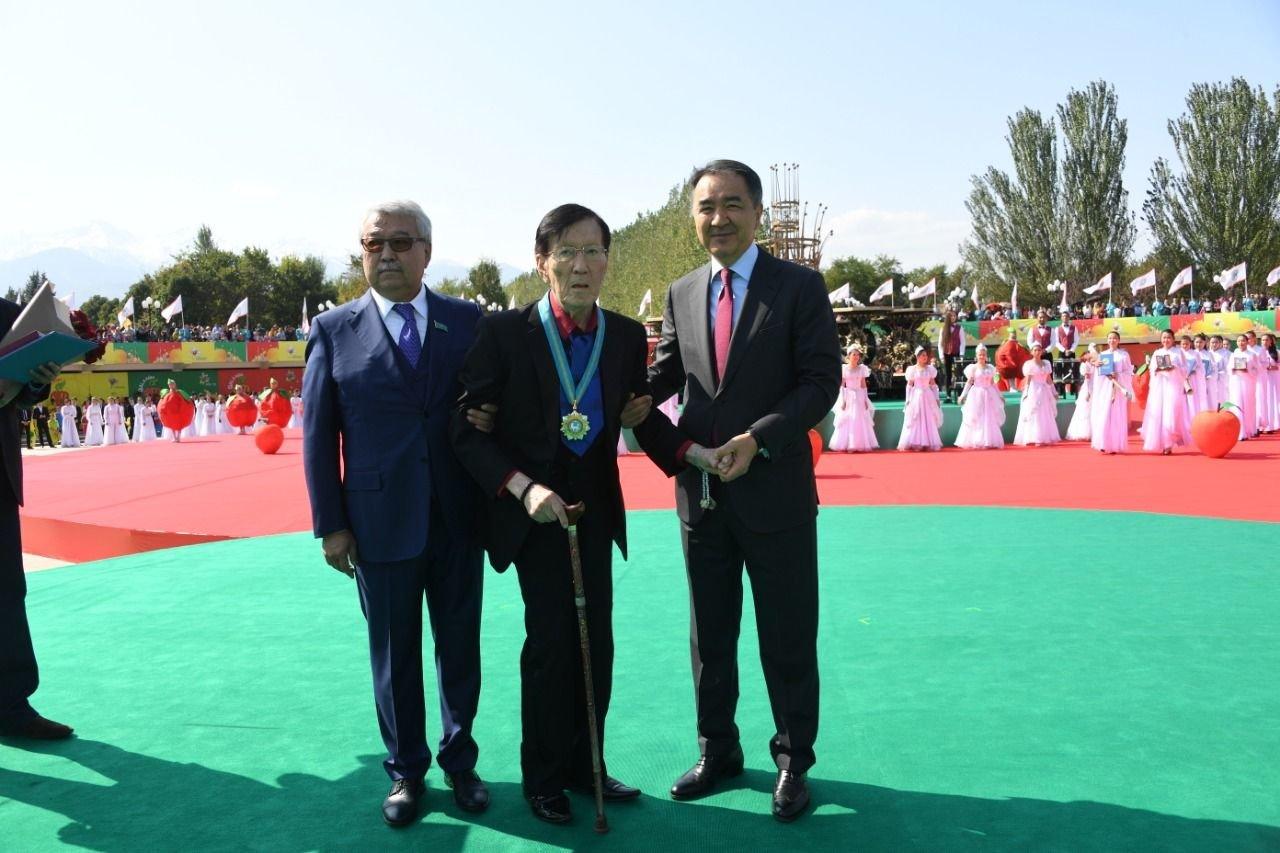 Бауыржан Байбек стал почетным жителем Алматы, фото-3, Фото пресс-соужбы акимата Алматы