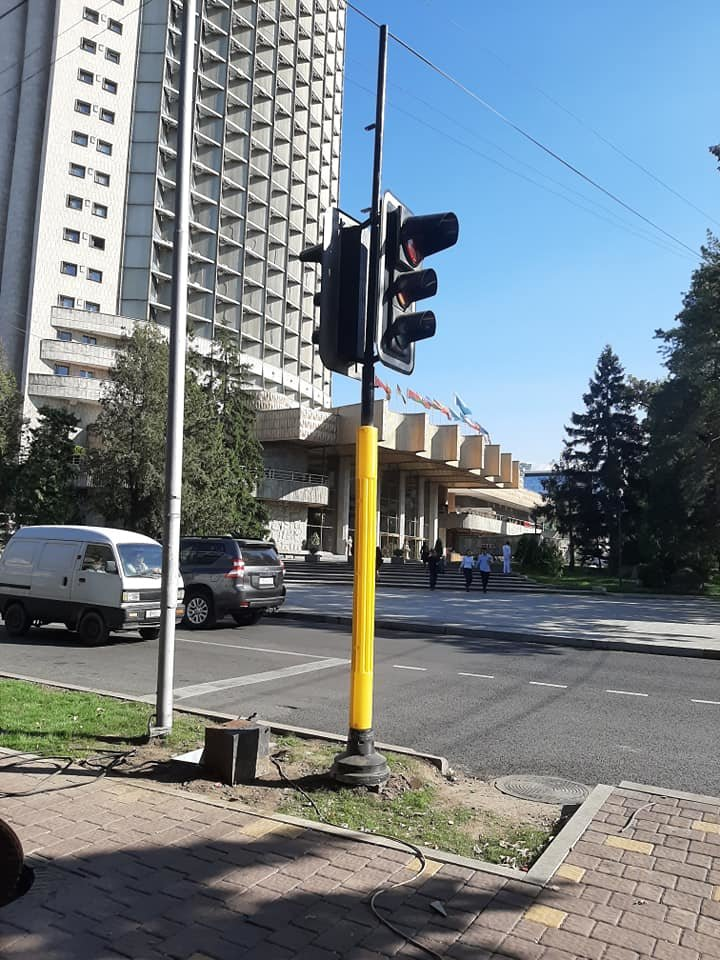 На двух центральных улицах Алматы установят новые светофоры (фото), фото-1