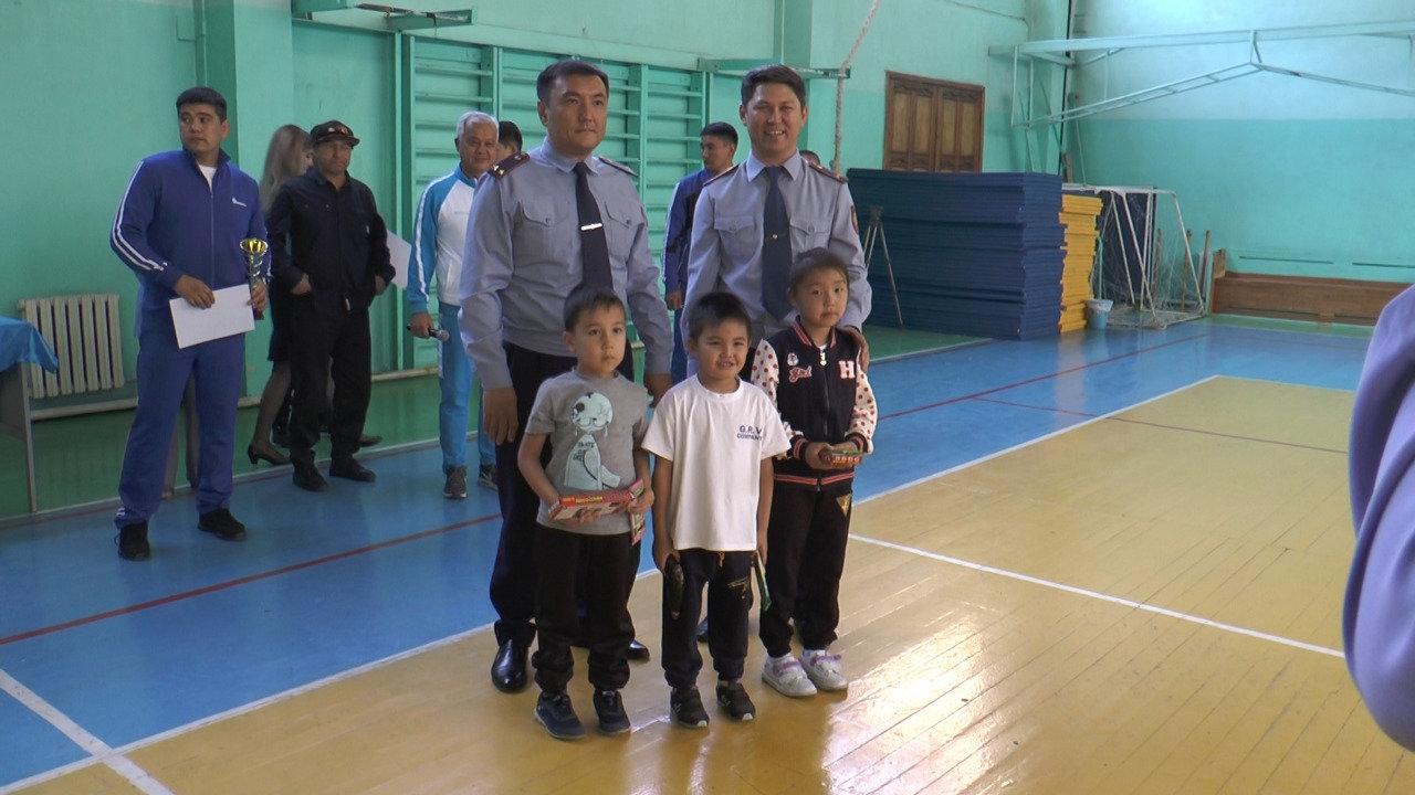 Детям алматинских полицейских дали пострелять (фото), фото-6