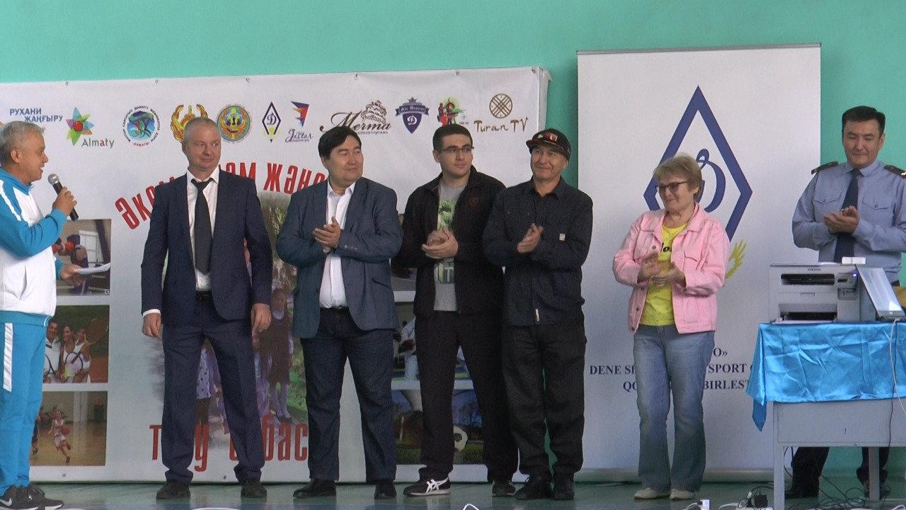Детям алматинских полицейских дали пострелять (фото), фото-9
