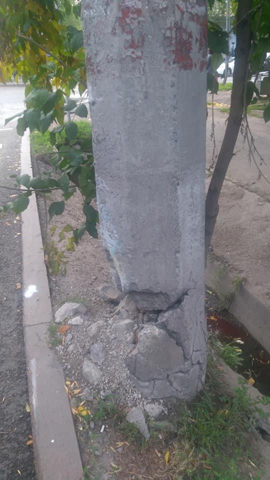 В Алматы бетонные опоры троллейбусных линий по Абая заменят на новые, фото-3, Фото Анастасия Кириллова/Facebook
