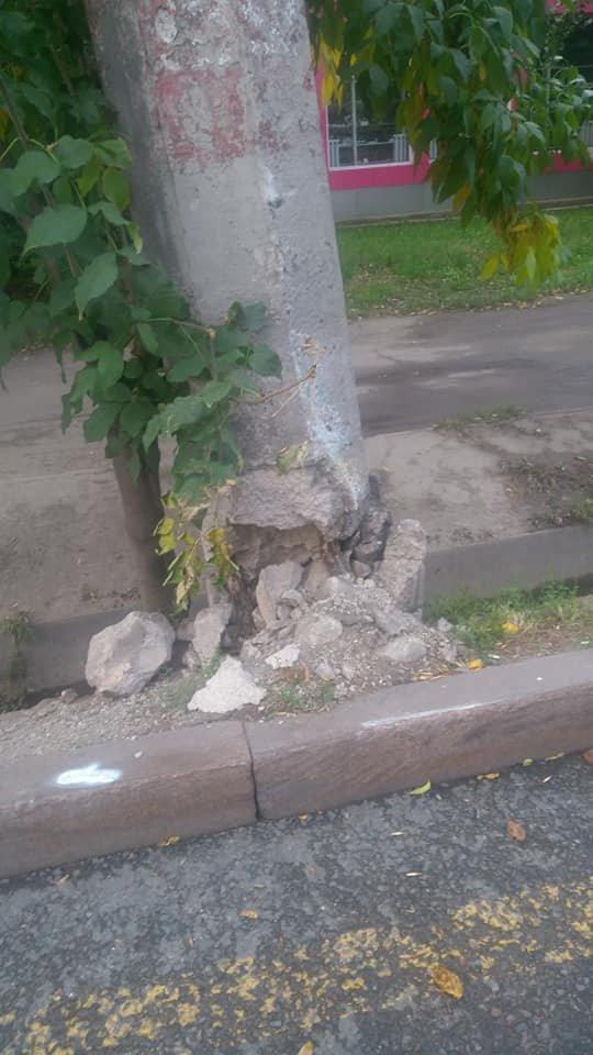 В Алматы бетонные опоры троллейбусных линий по Абая заменят на новые, фото-2, Фото Анастасия Кириллова/Facebook