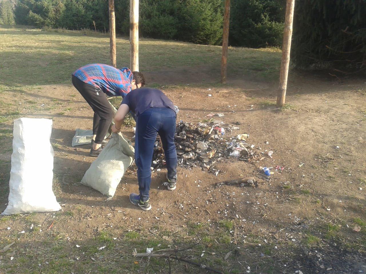 Горы мусора оставили отдыхающие в Кок-Жайляу - урочище привели в порядок, фото-4, Фото управление туризма Алматы
