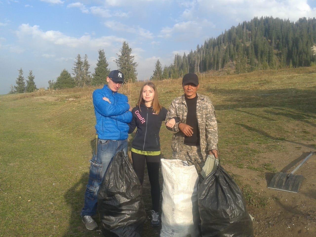 Горы мусора оставили отдыхающие в Кок-Жайляу - урочище привели в порядок, фото-6, Фото управление туризма Алматы