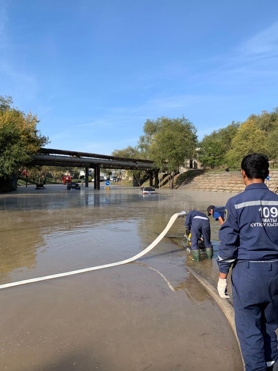 Прорыв теплотрассы в Алматы: подачу горячей воды восстановят к вечеру, фото-1