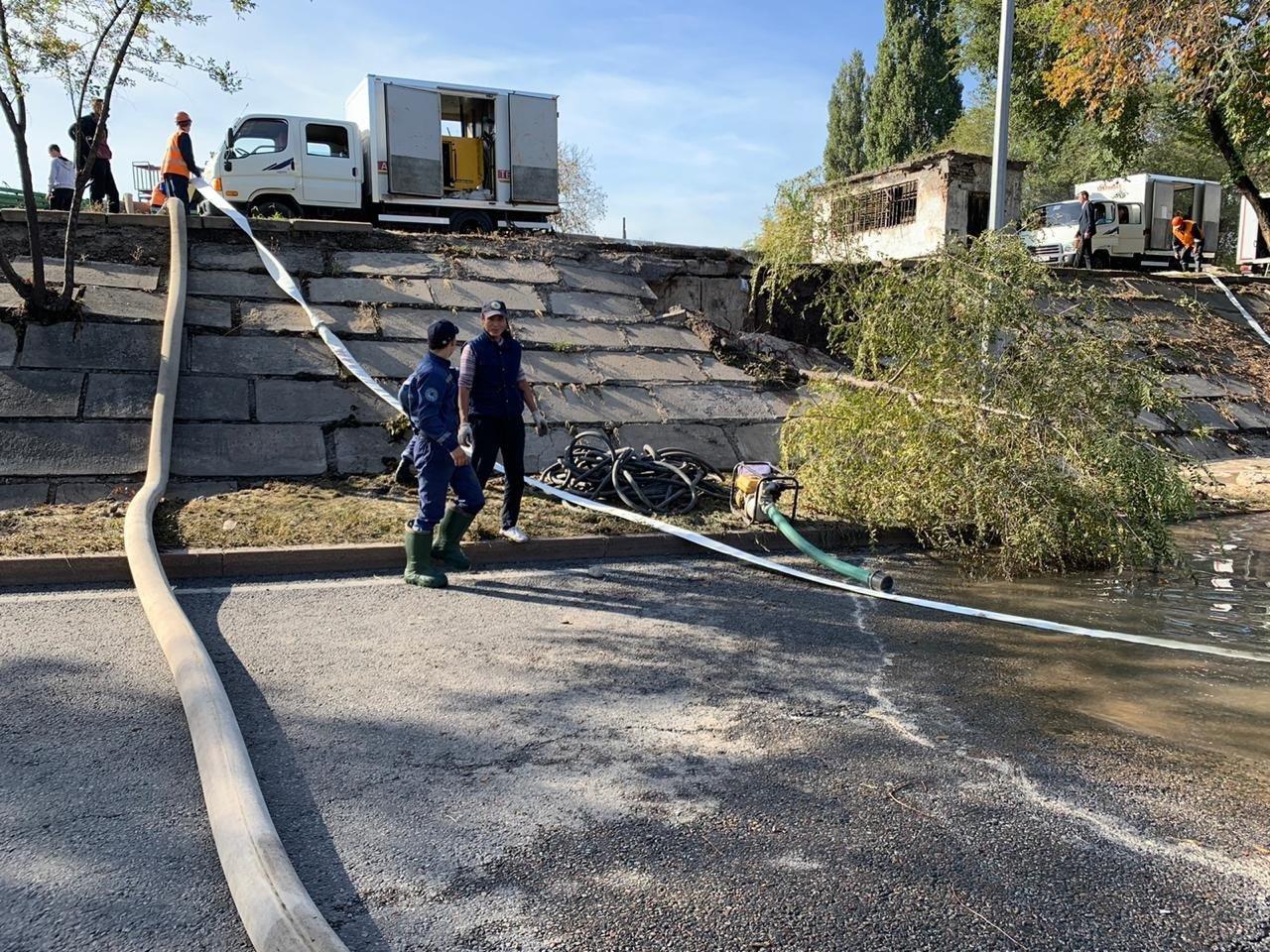 Прорыв теплотрассы в Алматы: подачу горячей воды восстановят к вечеру, фото-2