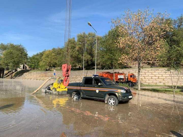 Прорыв теплотрассы в Алматы: подачу горячей воды восстановят к вечеру, фото-3