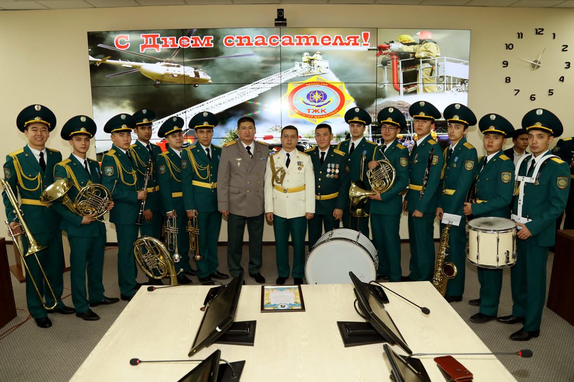Смелость, опыт и отвага – в Алматы чествовали спасателей , фото-1