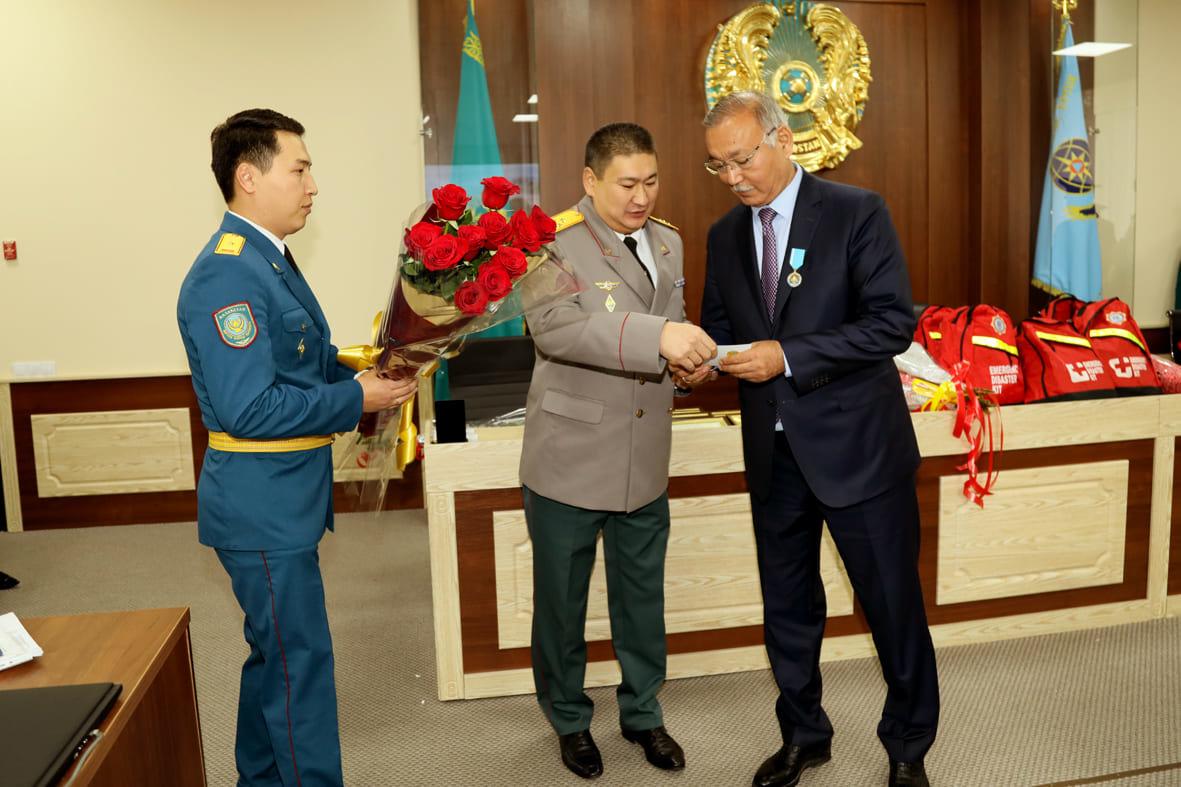 Смелость, опыт и отвага – в Алматы чествовали спасателей , фото-2
