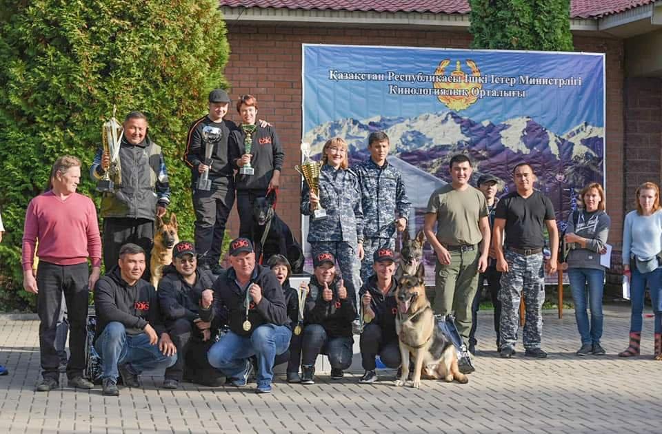 Лучших четвероногих напарников полицейских выбирали в Алматы (фото), фото-1