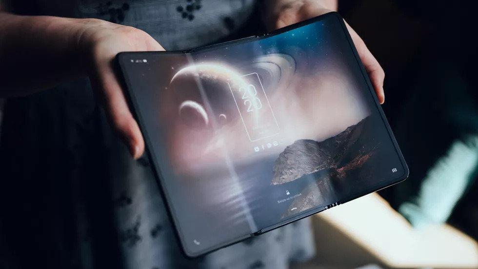 Смартфон-гармошку показали в TCL (фото), фото-2