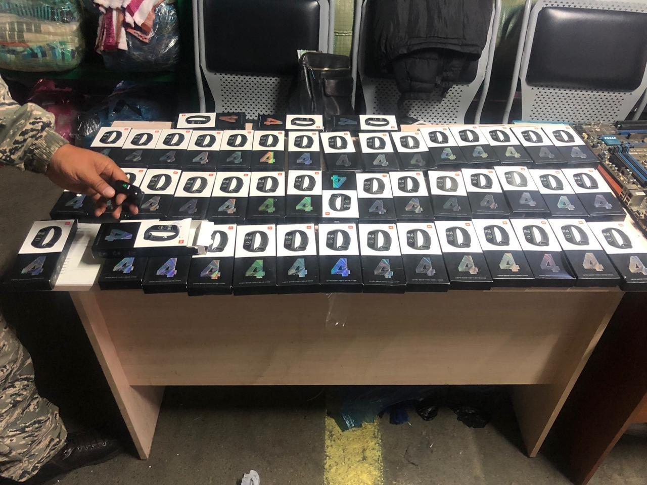Фитнес-браслеты Mi и другую контрабанду задержали на Хоргосе, фото-1