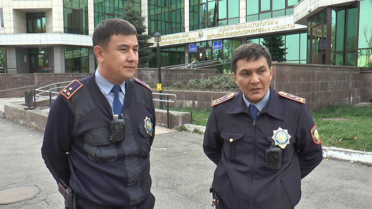 Алматинские полицейские помогли роженице (фото), фото-5