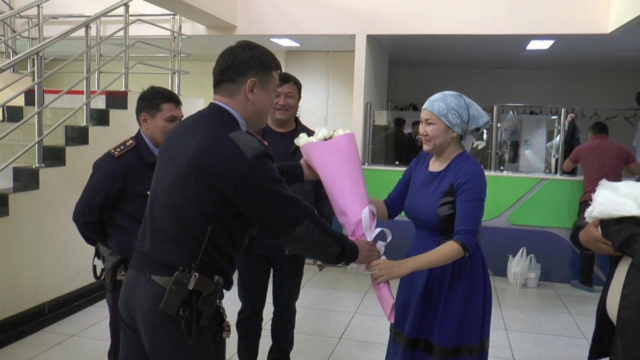 Алматинские полицейские помогли роженице (фото), фото-2