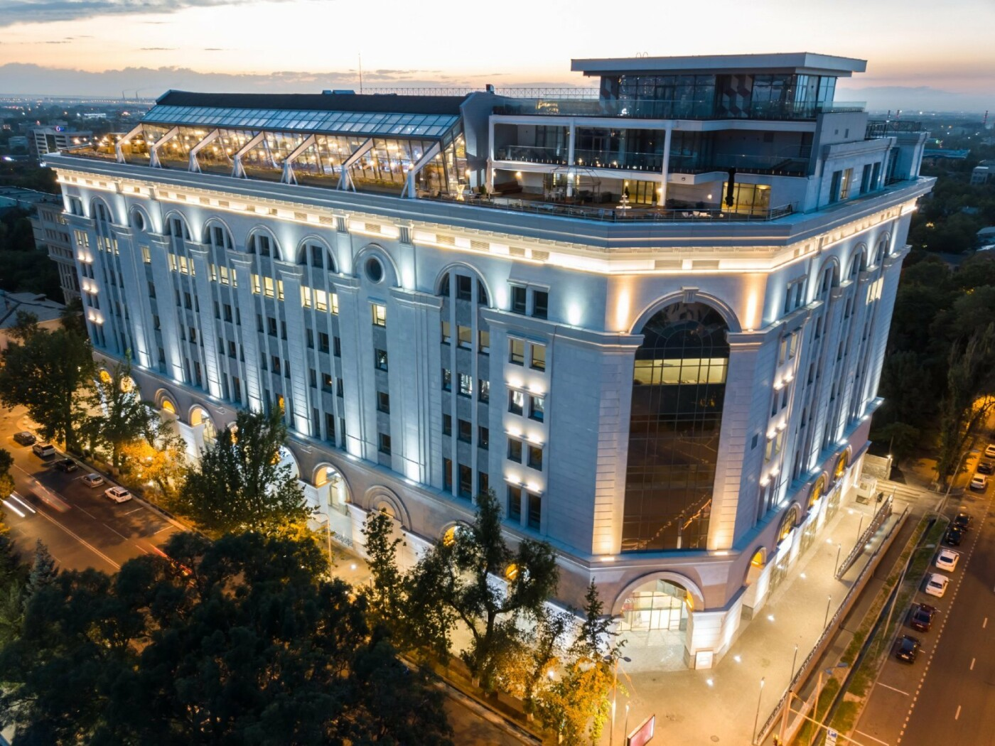 Торговый центр на Желтоксан- Богенбай батыра - Фото: 2 ГИС