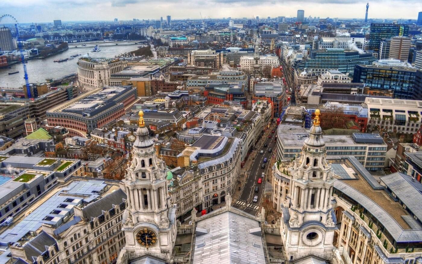 Сочетание исторической и новой архитектуры в Лондоне