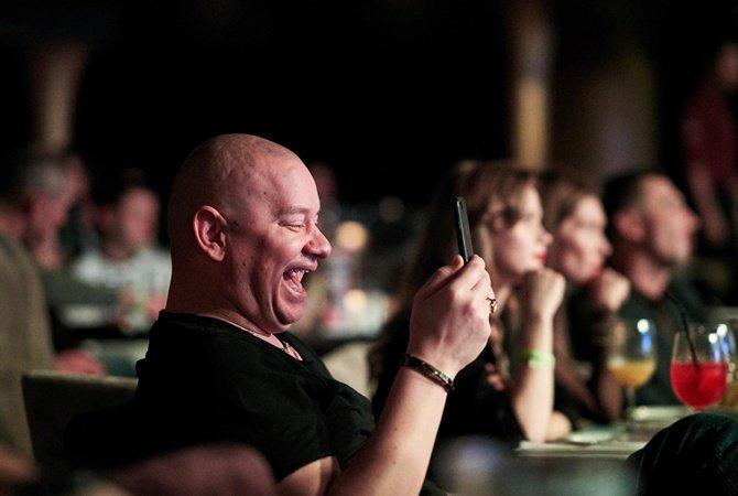 Как смеются в SMS на разных языках, фото-3
