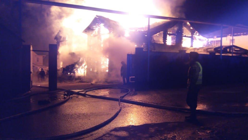 Банный комплекс горел ночью в Алматы, Пресс-служба ДЧС города