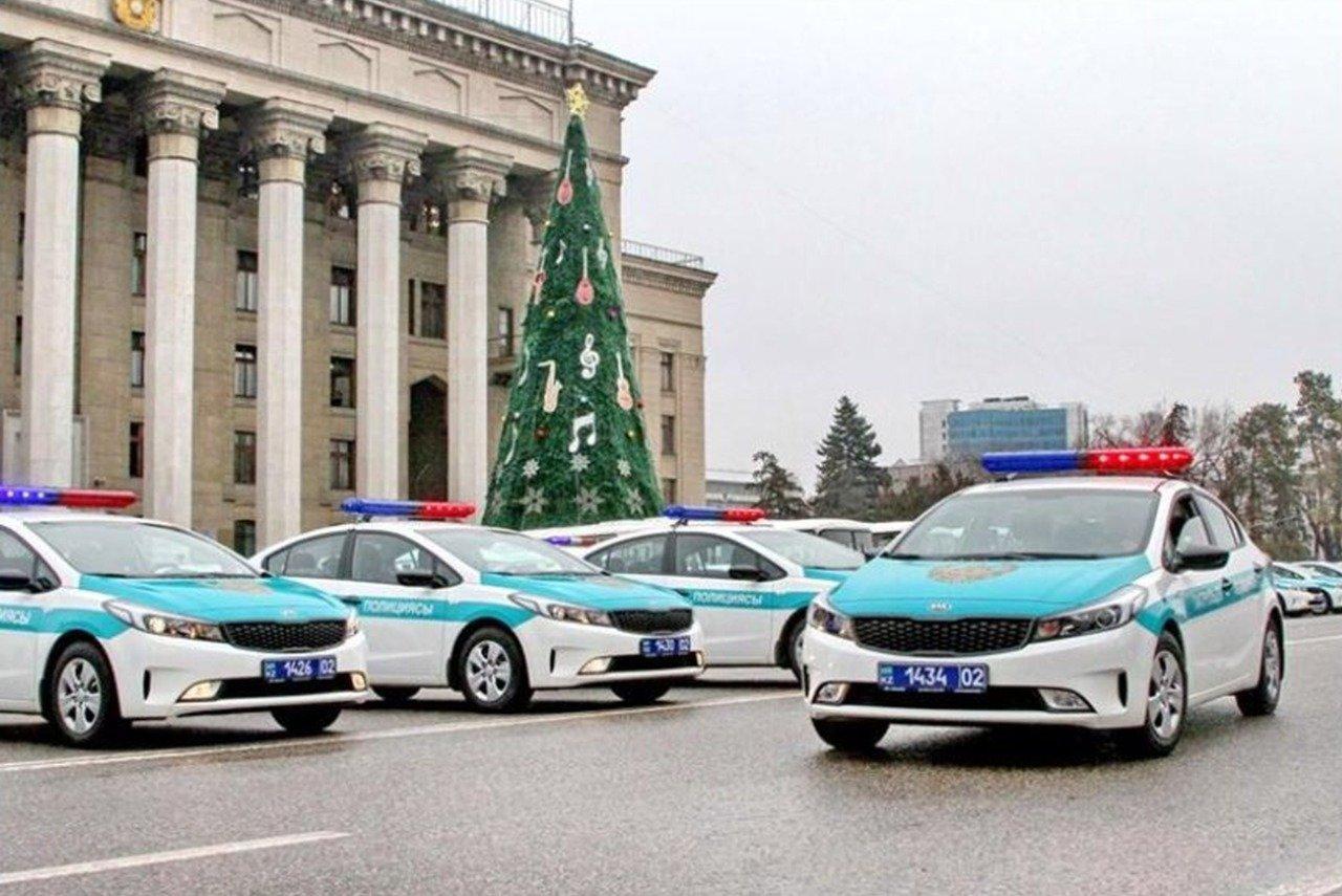 Алматинские полицейские переходят на усиленный режим службы (фото), фото-3