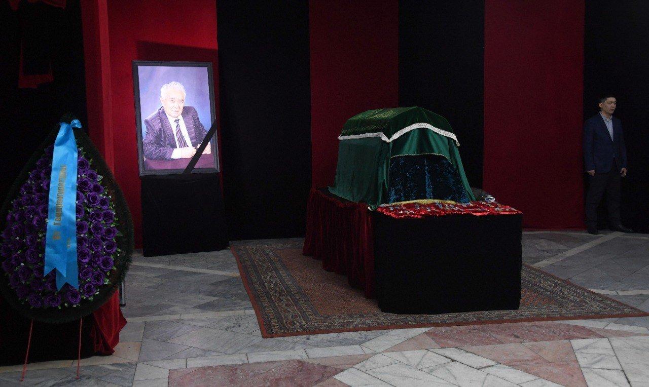 В Алматы простились с одним из создателей первой Конституции Султаном Сартаевым, фото-4