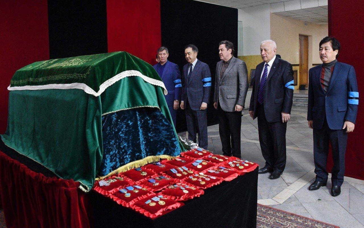 В Алматы простились с одним из создателей первой Конституции Султаном Сартаевым, фото-2