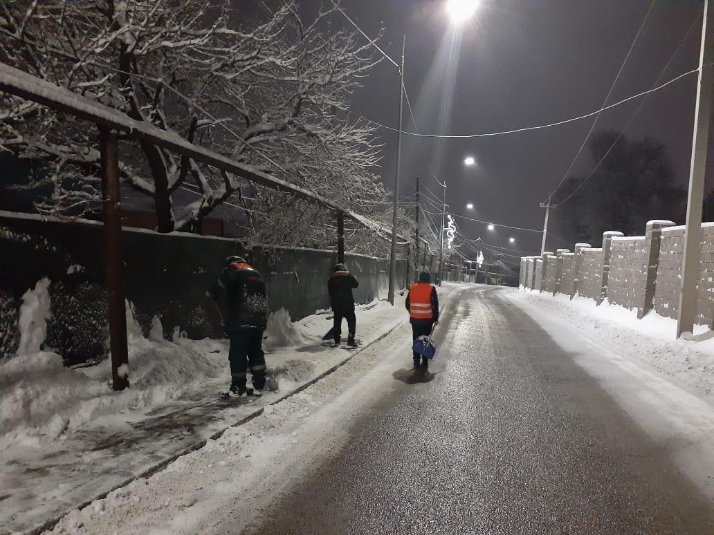 До 25 сантиметров снега выпало в Алматы за ночь, фото-2